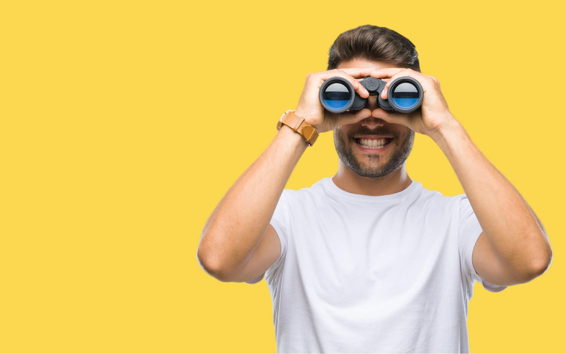 search-man-yellow-w1920h1200