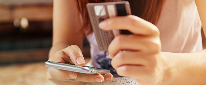 blogTitle-mobile_endgeräte_überholen_desktop_beim_online-shopping